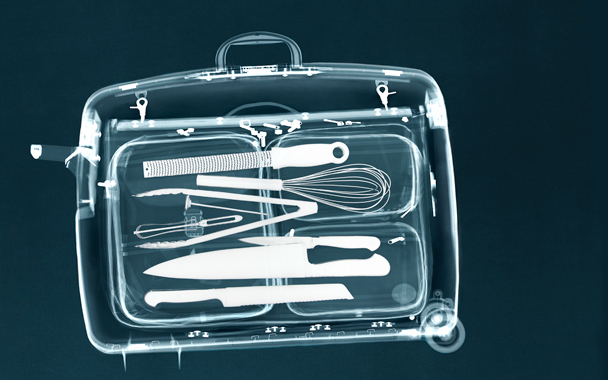 knives in suitcase